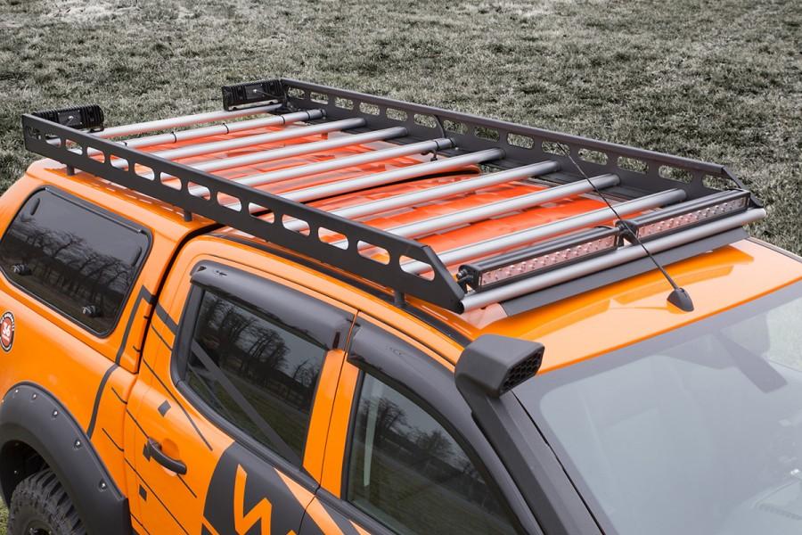 Dachträger von Work System sind extra niedrig, damit Sie nicht im nächsten Parkhause hängen bleiben.