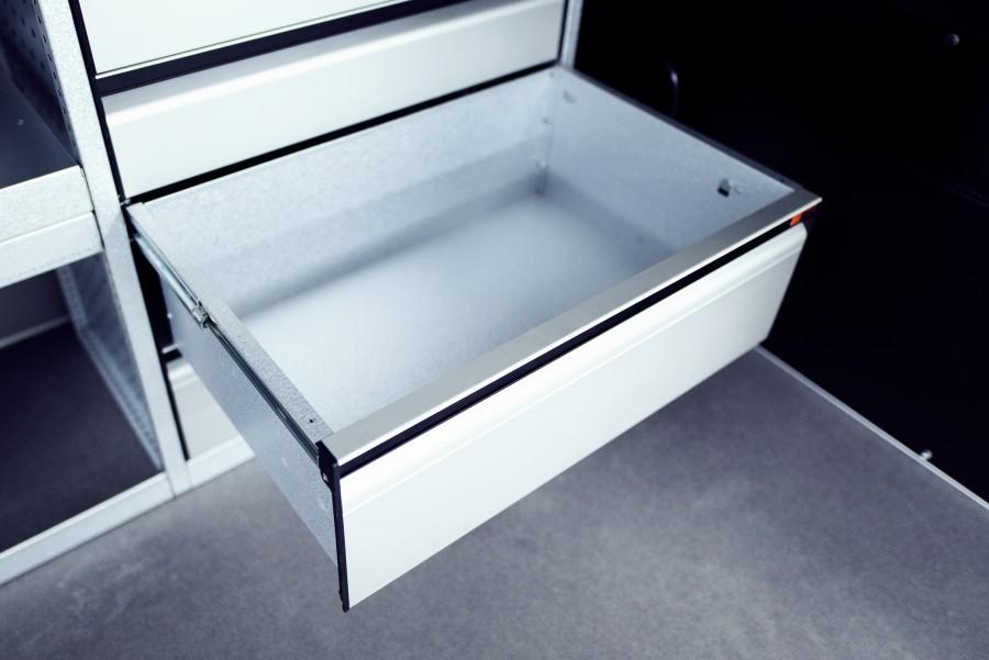 Schubladen von Work System können auch nachträglich in die Fahrzeugeinrichtung integriert werden.
