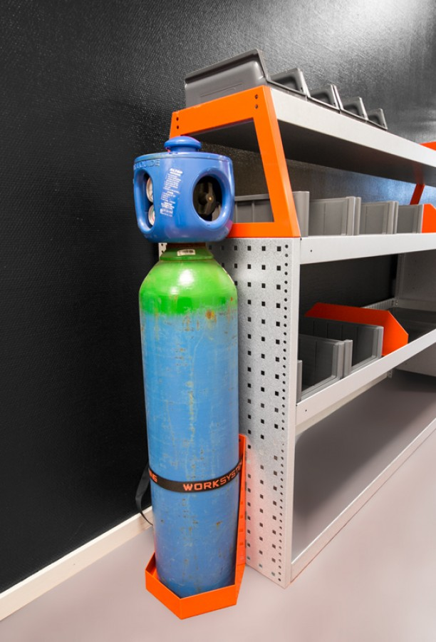 Gasflaschenhalterung M im Fahrzeug