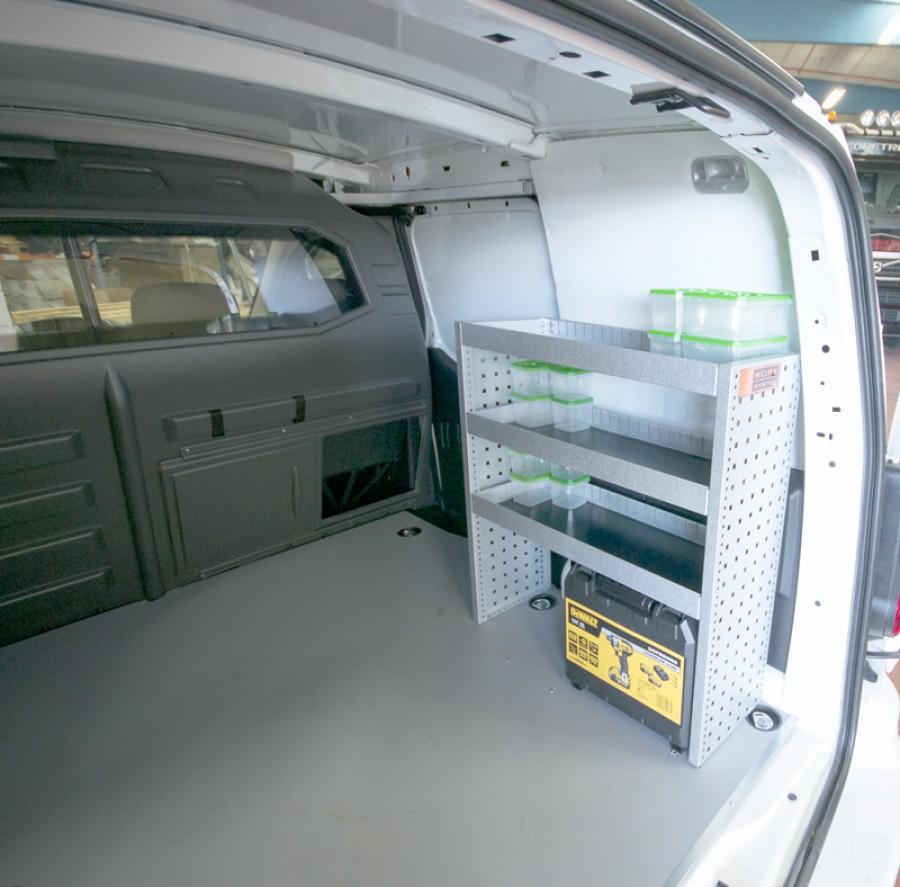 Montiertes H-BASIC in einem VW Caddy.