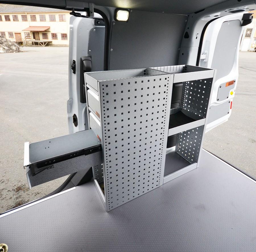 H-SD3S Fahrzeugregal für VW Caddy mit ausgezogener Schublade.