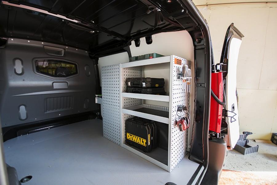 H-SD3M Fahrzeugregal für VW Caddy innen ansiecht.