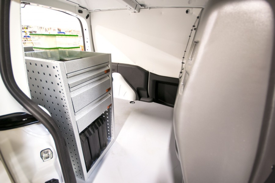 H-SD3M Fahrzeugregal für VW Caddy Seiten ansiecht.